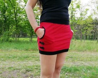 Šitá sukně s kapsami