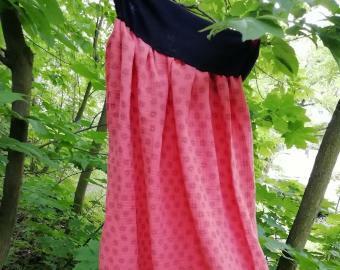 Dlouhá šitá sukně - šedé kytičky na lososové (korálové)