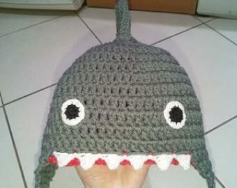 Háčkovaná žraločí čepice
