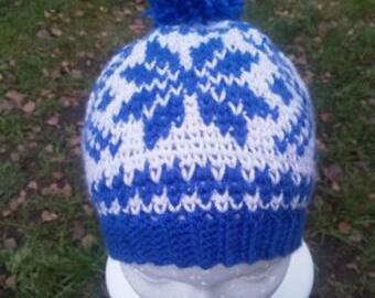 Háčkovaná retro čepice