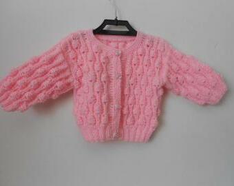 Ručně pletený svetřík