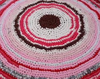 Kulatý kobereček červený