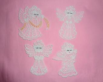 krajkový andělíček