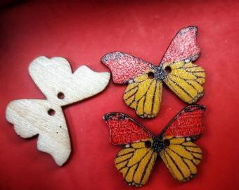 Knoflík dřevěný motýl 3ks